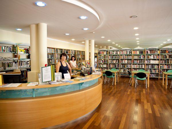 Gradska knjižnica Umag / Biblioteca civica Umago